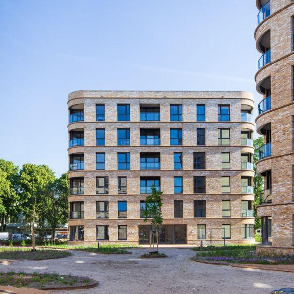 Westhovenplein winnaar van de Haagse Architectuurprijs de Berlagevlag